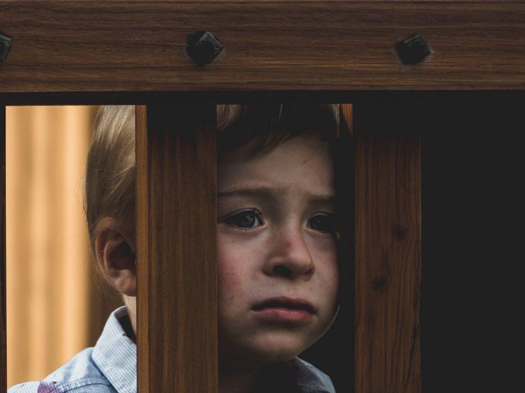 Neglijarea emoțională în copilărie